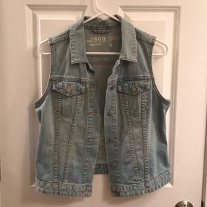 Gap denim vest size small